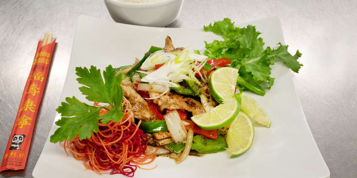 We emphasize a balance of ingredients to add flavor and authentic seasoning. Our goal is to serve the most authentic Thai food to the New York City community, while also providing traditional and local produce. Don't wait to add some kick to your next meeting! - Thai Mis Delicias