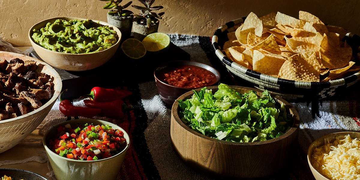 Moe's knows catering! Give your office the full Moe's menu of Southwestern favorites. From hot fajita bars to fresh taco salads and our famous Queso dip (and don't forget our cookies), Moe's catering is a memorable alternative to the norm. - Moe's Southwest Grill