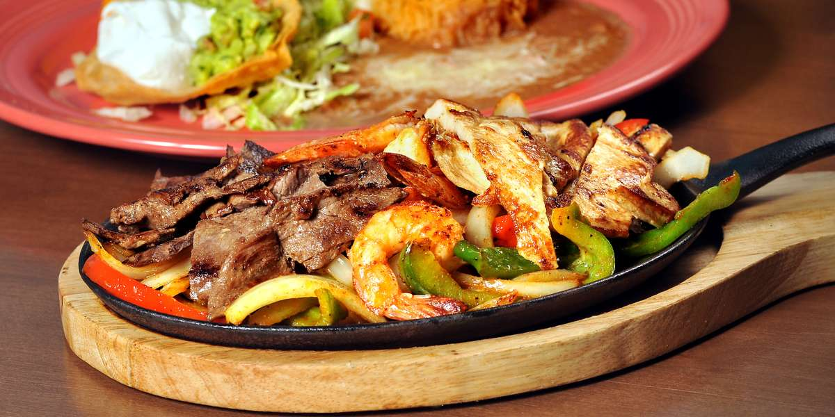 Let the fiesta come to you with our wide variety of catering options. We have been serving up authentic Mexican food to the Boyle Heights community for years and maintain a 4.5-star Yelp rating. See what our customers are raving about and order Casa Fina for your next event.  - Casa Fina Restaurant & Cantina