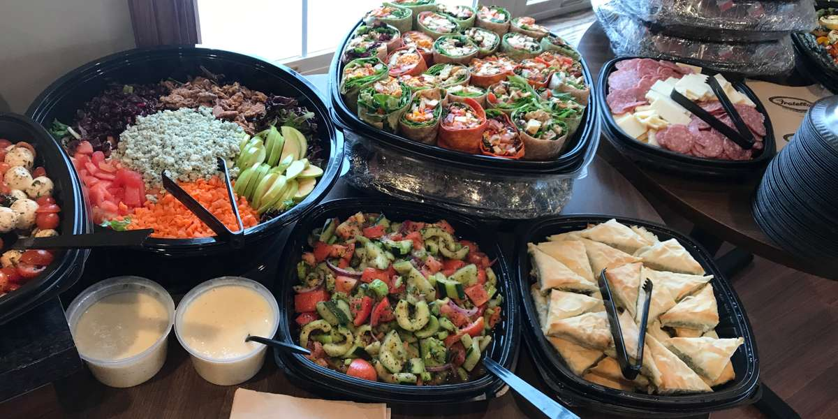 If you're looking for warm, filling, and savory food for your next event, look no further! Take your taste buds on a trip with your favorite Italian plates mixed in with Mediterranean classics. With everything offered in convenient catering trays, we can serve groups of any size. - Fratello's