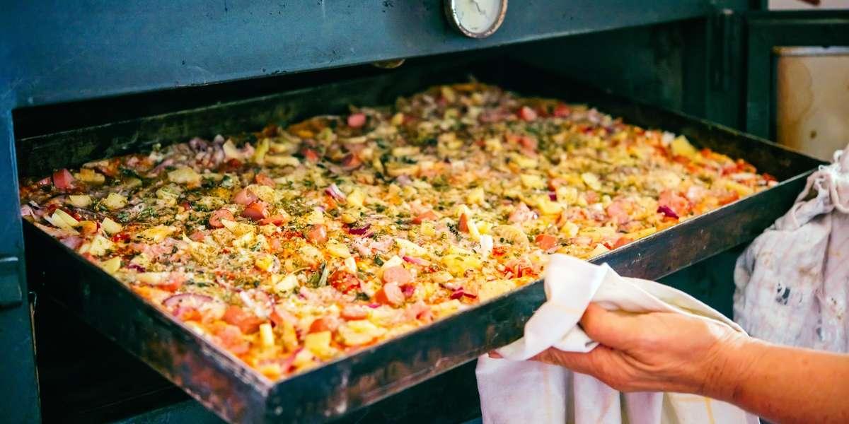 - Vito's Pizza