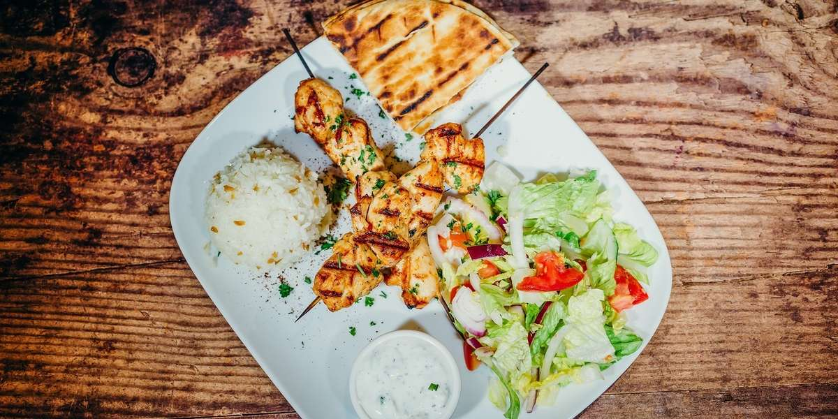 We're known for our tender gyros, but our menu is full of classic Mediterranean dishes that are sure to please. Our food is prepared using traditional, authentic methods, giving you a true taste of Turkish food just like you'd find on the streets of Istanbul. - Park Gyros