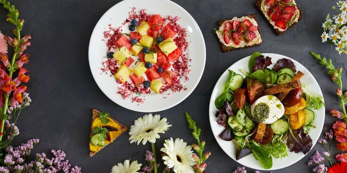 The same distinctive food you enjoy at our communal table can be savored with your colleagues at the office! We'll deliver freshly prepared platters of our pastries, organic breads, signature tartines and salads, artisanal cheeses, charcuterie and organic beverages right to your door.  - Le Pain Quotidien
