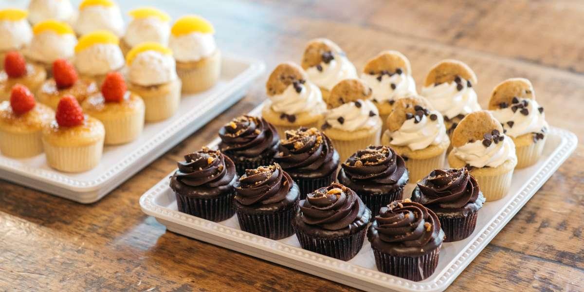 - Molly's Cupcakes