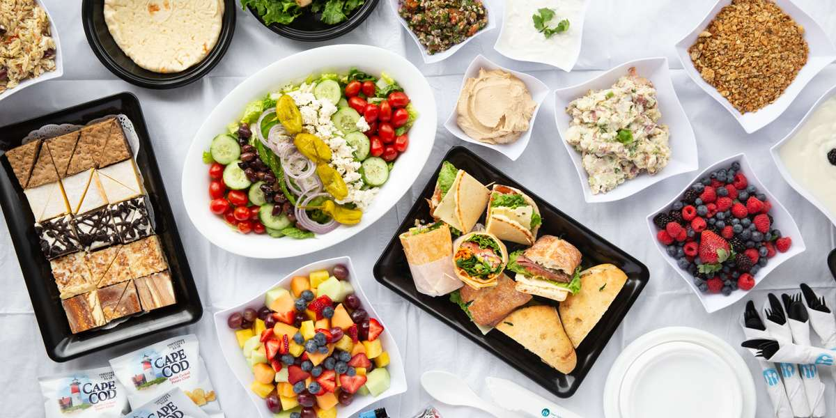 We pride ourselves on preparing and serving food that is truly remarkable. Choose from our selection of creative & artfully prepared sandwiches, home-made savory soups, innovative salads, and scratch-made desserts. Let us show you how we put our passion on every plate. - Great Circle Catering