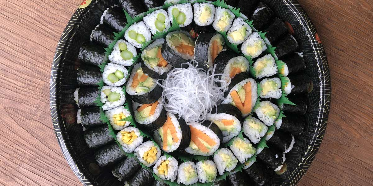 We believe organic food is healthier, so you'll taste only organic ingredients when you order from us. With balanced, flavorful sushi, sashimi, noodles, and stir-frys, we try to promote a healthy body and mind. - Sakura Organic