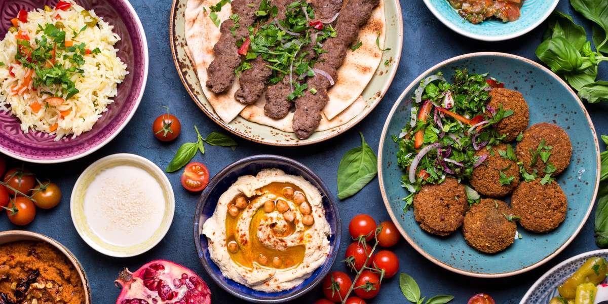 - Almanqal Mediterranean Grill