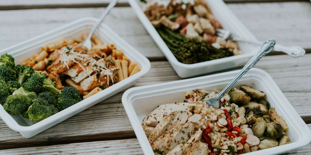 We deliver healthy, ready-to-eat meals to your office. With American flavors like our Southwest wrap and sweet potato & cauliflower patties, our food will have you learning (and loving) what it means to eat well. - Eat Well Nashville