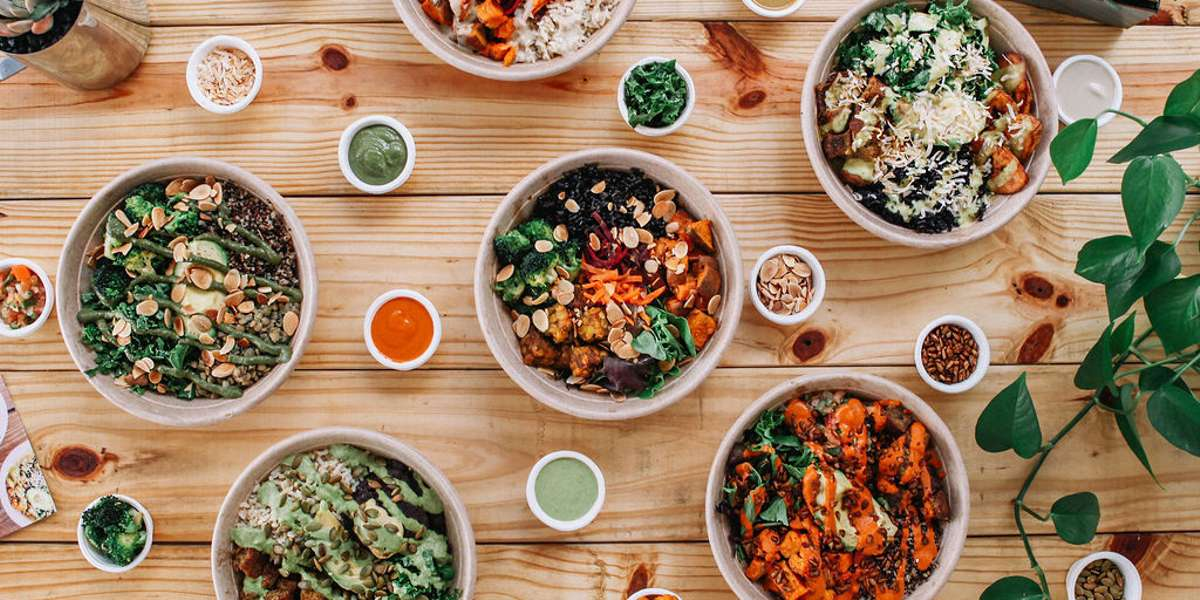 """Our """"healthy bowls of happy"""" are made with integrity, approachability and efficiency to bring you fresh, flavorful fuel that complements on-the-go lifestyles. Our philosophy is to create a community of nourishment and we hope our nourishing and heathy options delight all individuals.   - Della Bowls"""