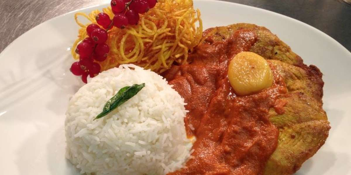 All of our dishes are prepared daily on the premises from fresh ingredients. Among our Indian delicacies, we specialize in chicken curry, lamb, seafood, halal meat and vegetarian entrees. - Star of India