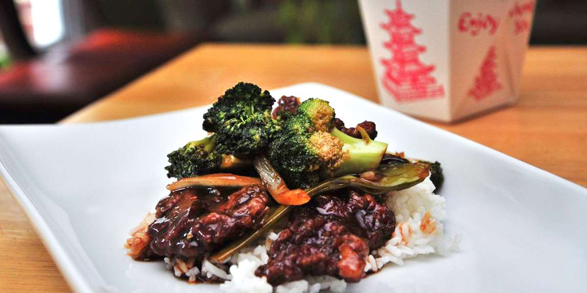 For over 20 years we've brought traditional Chinese cuisine to Charlotte, and we're still the best source of authentic Chinese food in town. Our catering buffets have everything you'll need with just one click: favorites like sesame chicken, sweet & sour shrimp, lo mein, egg rolls, and more.  - Great Wall Of China South