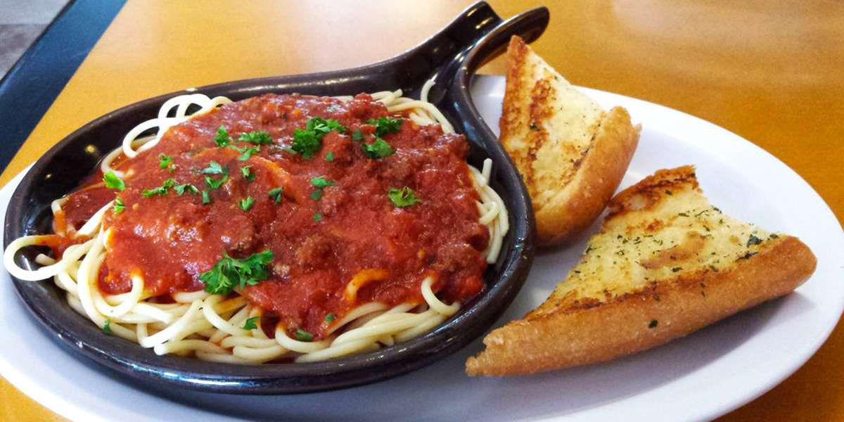 """Great food is our passion. We want to share that with each and every one of our customers, and they're not shy about returning the favor-- we won a Diner's Choice 2015 award from Open Table. Reviewers say that from Meat Lovers' Pizza to Penne alla Pesto, our food is """"undeniable.""""  - Mario's Pizza - A Taste of Italy"""