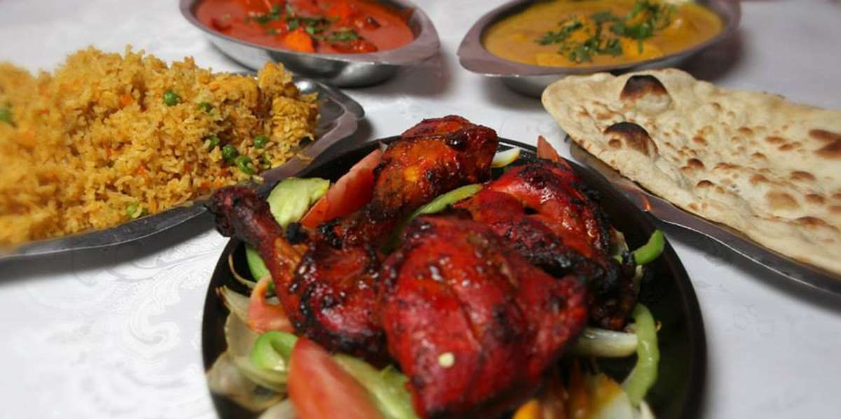 As one of the first Indian restaurants in downtown LA, we've garnered acclaim for our diverse curry dishes. Our menu is a perfect blend of Northern Indian and Bengali influences, and that's why customers call us a neighborhood favorite. Yelpers say you can count on us for a mouthwatering meal no matter what you order— from tikka masala to saag paneer.  - Anarkali Indian Restaurant