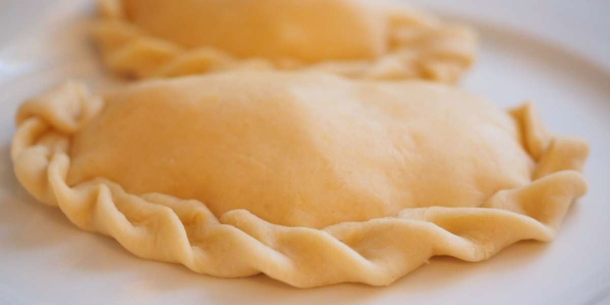 Whether you're looking for a snack or a quick meal, our empanadas will hit the spot. With fillings like pepperoni, spicy chicken, and tomatoes & mozzarella, we push the empanada-envelope with a range of tasty choices!  - Continental Gourmet Market