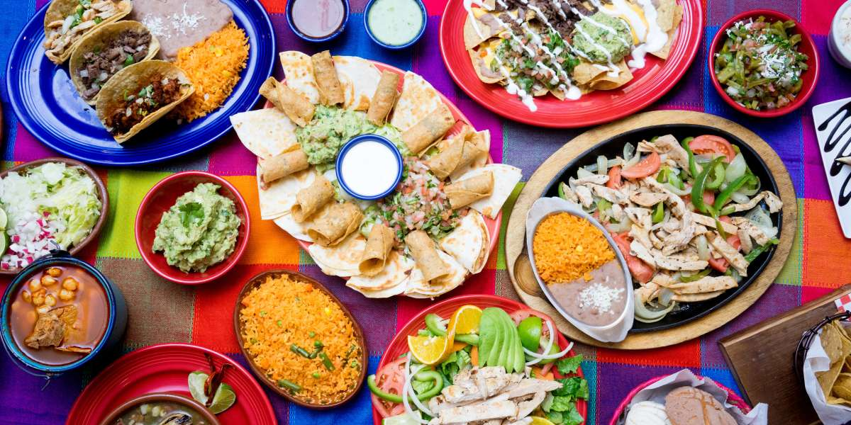 Located in the Mexican heart of the Windy City, we're serving up traditional favorites inspired by the regional cuisine of Guadalajara. From breakfast burritos to party trays for your office fiesta, our bold & flavorful dishes are sure to hit the spot.  - Don Pepe